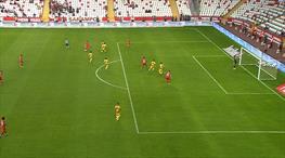Antalya'da perde müthiş golle açıldı