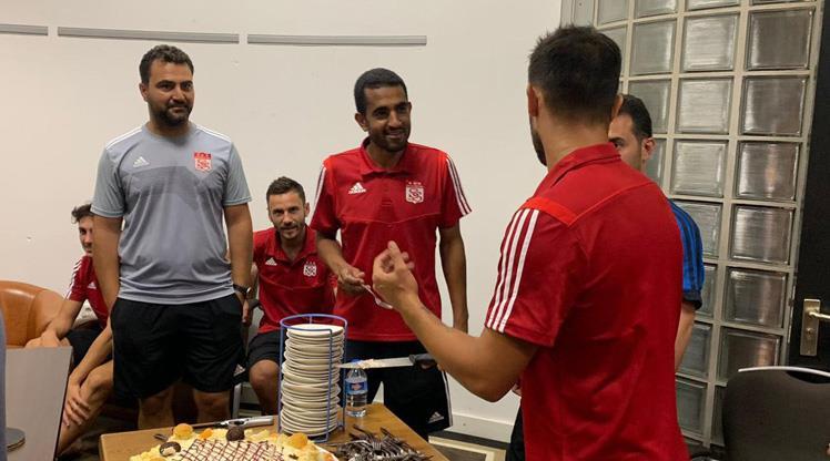 Vieira'ya sürpriz doğum günü