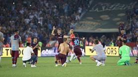 Maç sonu kolbastı şov