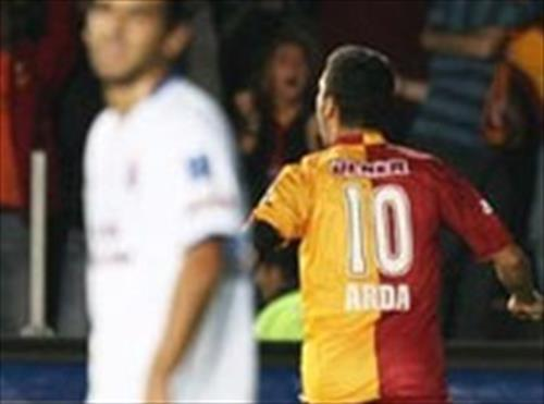 Sami Yen'de 7 gollü düello