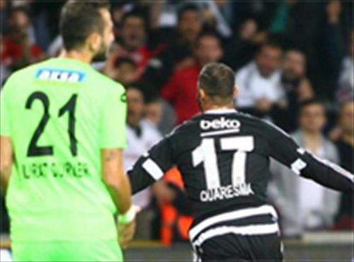 Bursaspor-Beşiktaş maçında sinirler gerildi İşte o anlar