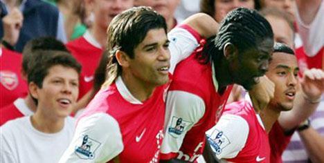 Arsenal şov sürüyor !..