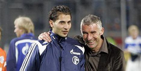 Halil Schalke taraftarıyla barıştı