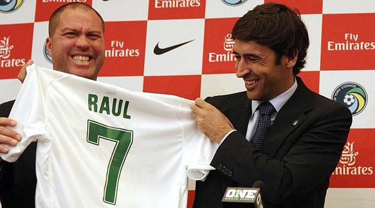 Ve Raul veda ediyor