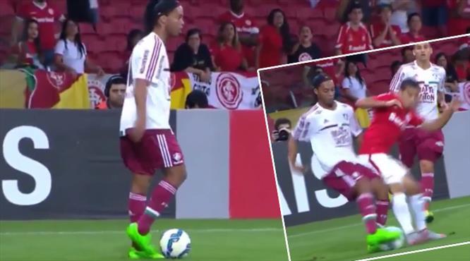 Ronaldinho'dan muhteşem çalım!