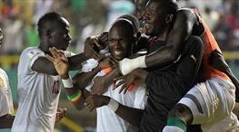 Moussa Sow golle döndü!