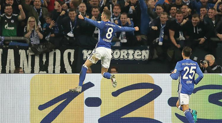 Schalke hız kesmiyor!