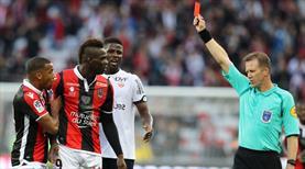 Balotelli yaptı yine yapacağını (ÖZET)