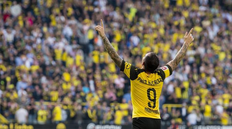 Dortmund Alcacer'in tapusunu aldı