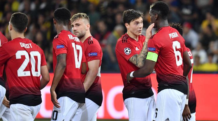 Manchester United zoru kolaya çevirdi