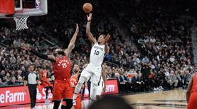 DeRozan'dan Toronto'ya triple-double