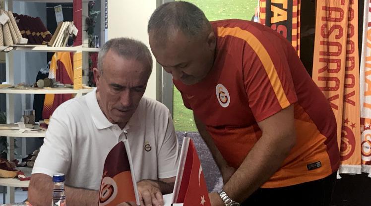 Simovic Galatasaraylılarla buluştu