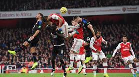 Arsenal fırsat tepti