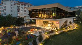 """Beşiktaş'ın """"No: 1903"""" tesisini belediye teslim aldı"""