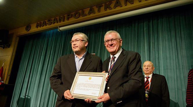 Eskişehirspor'un yeni başkanı Akgören oldu