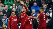 Liverpool arayı açıyor