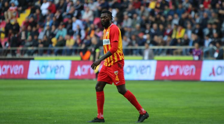 Adebayor, İstikbal Mobilya Kayserispor'a veda etti