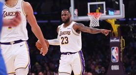 Lakers kazandı, LeBron tarihe geçti