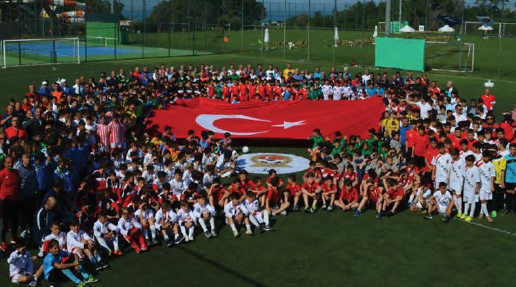 Geleceğin Yıldızları Futbol Şenliği Antalya'da