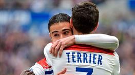 Lyon Barcelona'yı 3 golle unuttu (ÖZET)