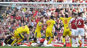 Arsenal yerle bir oldu (ÖZET)