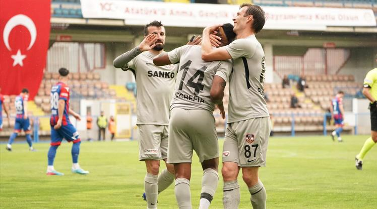 Gazişehir güle oynaya play off'ta (ÖZET)
