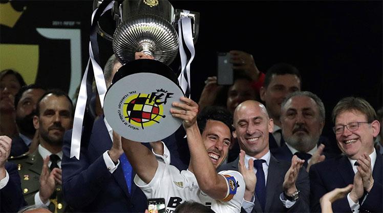 Messi bu kez yetmedi! Kral Kupası Valencia'nın
