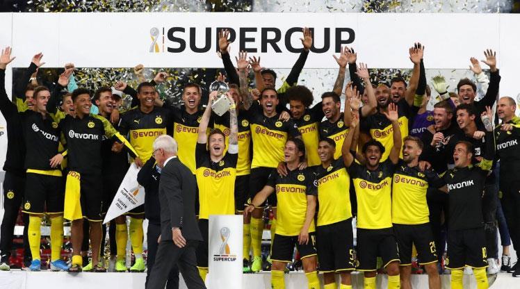 Dortmund sezonu kupayla açtı