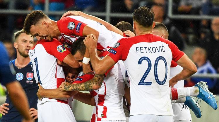 Hırvatlar, Slovakya'yı dörtledi