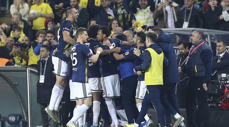 Fenerbahçe geçen yılki görünümü tersine çevirdi