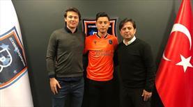 Başakşehir genç oyuncusuyla sözleşme imzaladı