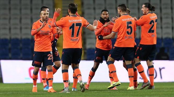 İlk yarının golleri: Medipol Başakşehir