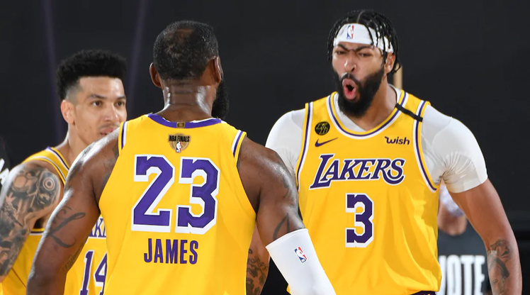 Lakers final serisine galibiyetle başladı