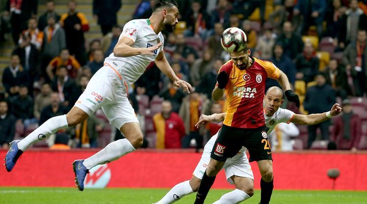 Galatasaray lideri ağırlıyor