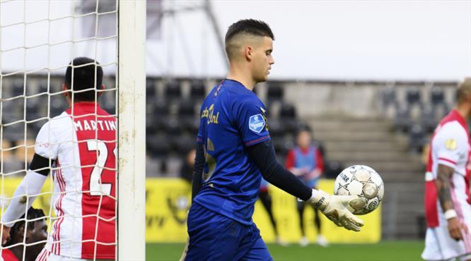 """Ajax'tan 13 gol yiyen kaleci: """"Aynaya bakamıyorum"""""""