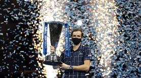 Şampiyon Daniil Medvedev