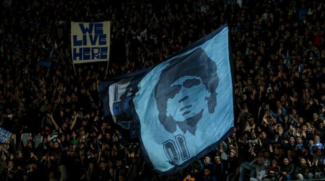 Napoli'de stadyumun adı 'Maradona' oluyor