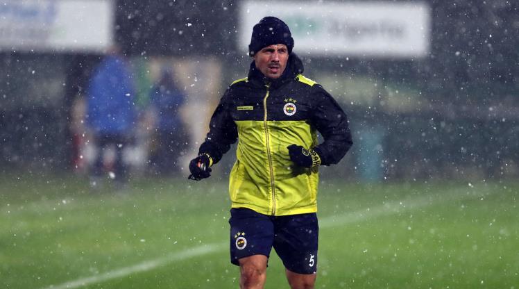 Fenerbahçe'ye kaptanından kötü haber