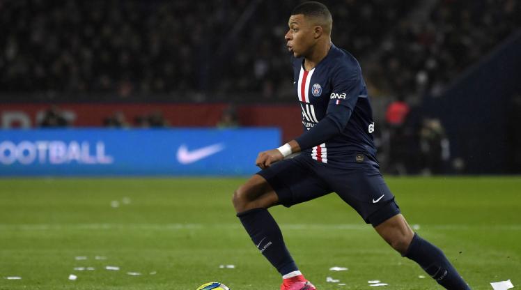 Ligue 1'de maçlar seyircisiz oynanacak