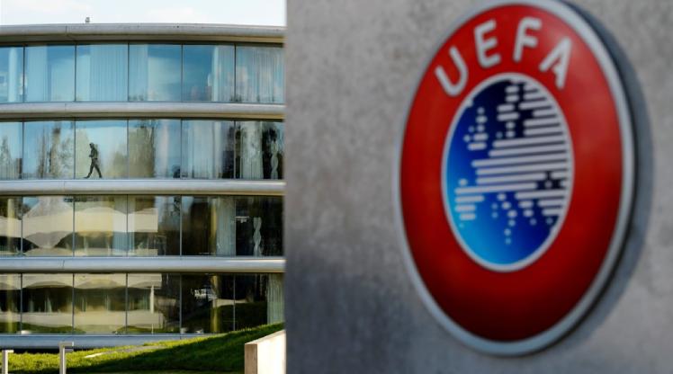 UEFA, maçları iptal etti