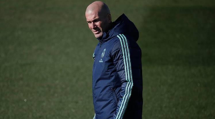 Zidane'dan Cezayir'e tıbbi ekipman bağışı
