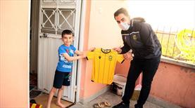 BtcTürk Yeni Malatyaspor'dan çocuklara forma
