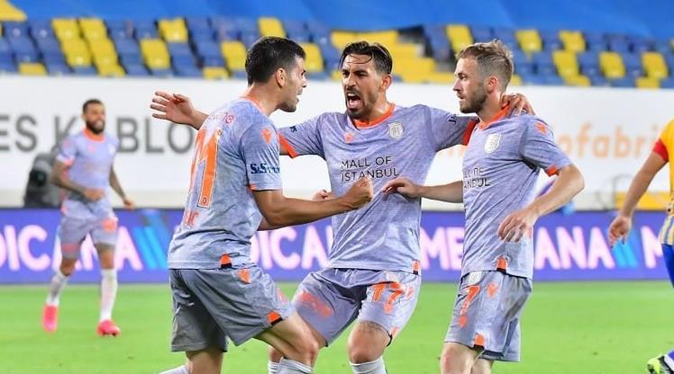 Liderin konuğu Galatasaray