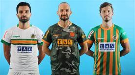 Alanyaspor yeni sezon formalarını tanıttı