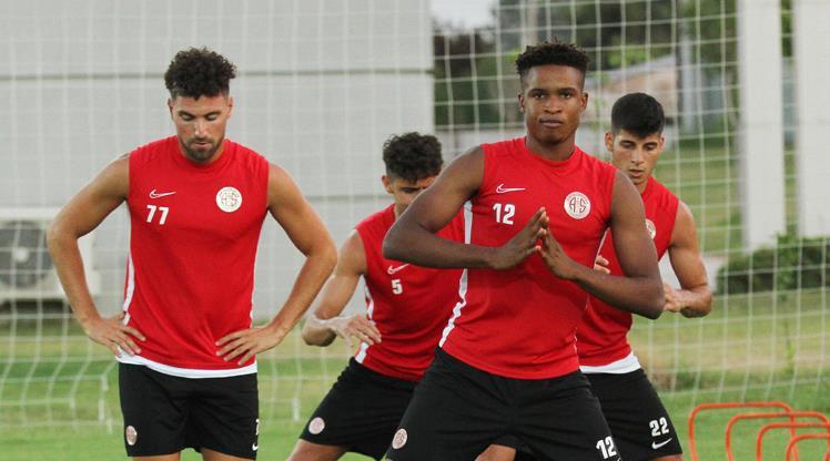 Antalya'da Galatasaray mesaisi başladı