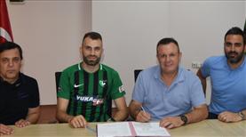 Mustafa Yumlu'ya yeni sözleşme