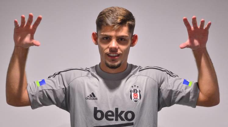 Beşiktaş, Montero'yu resmen açıkladı