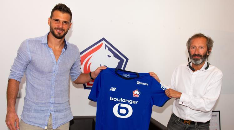 Lille, Karnezis'i transfer etti