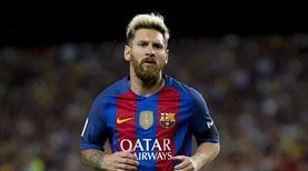 Lionel Messi, Barcelona'da kaldığını açıkladı