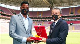Galatasaray'da 'Yılın Sporcusu' ödülü Donk'un